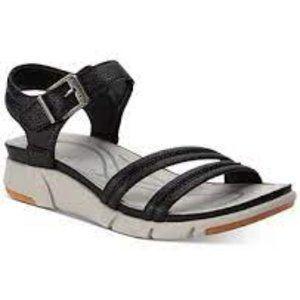 Baretraps Noland Casual Sandal